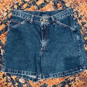 Vintage Wrangler High Waisted Jean Shorts 🛍